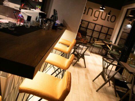 Angulo restoran 1