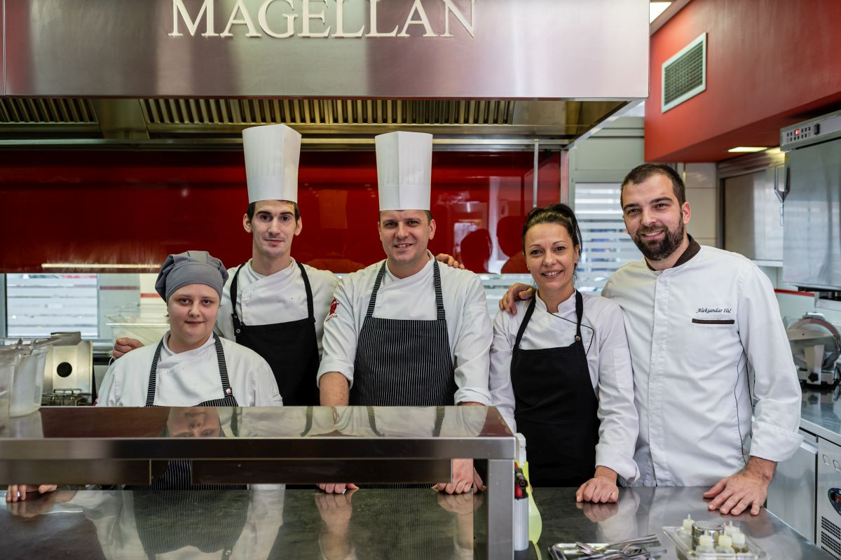 Magellan tim u kuhinji