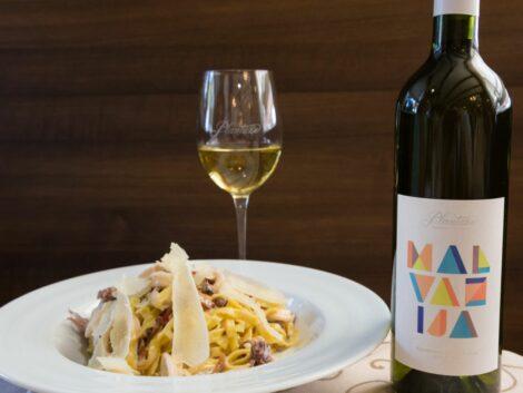 plantaže vino i jelo